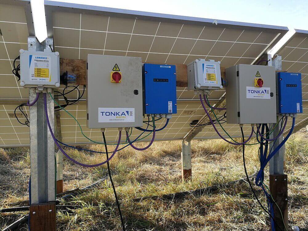 equipo de bombeo solar lorentz con power pack entrada auxiliar para generador